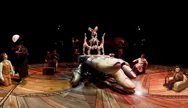 inside-the-box-of-kurios-gear-vr-cirque-du-soleil-experience-2-700x404