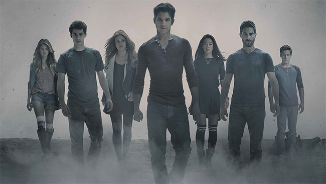 Teen_Wolf_Season_4_EDIT_Cast_Shot_Photo_Credit_Jaimie_Trueblood_and_MTV副本